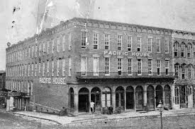 Historic Pacific House Hotel