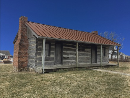 Sharp Hopper Cabin 2